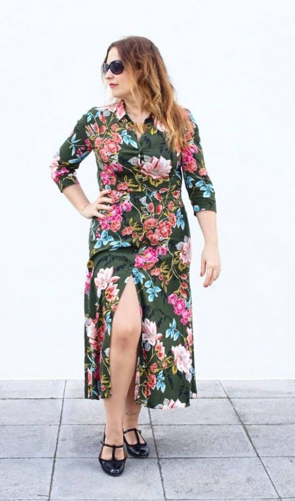 Striking Floral Print Front Slit Maxi Dress And Sunglasses