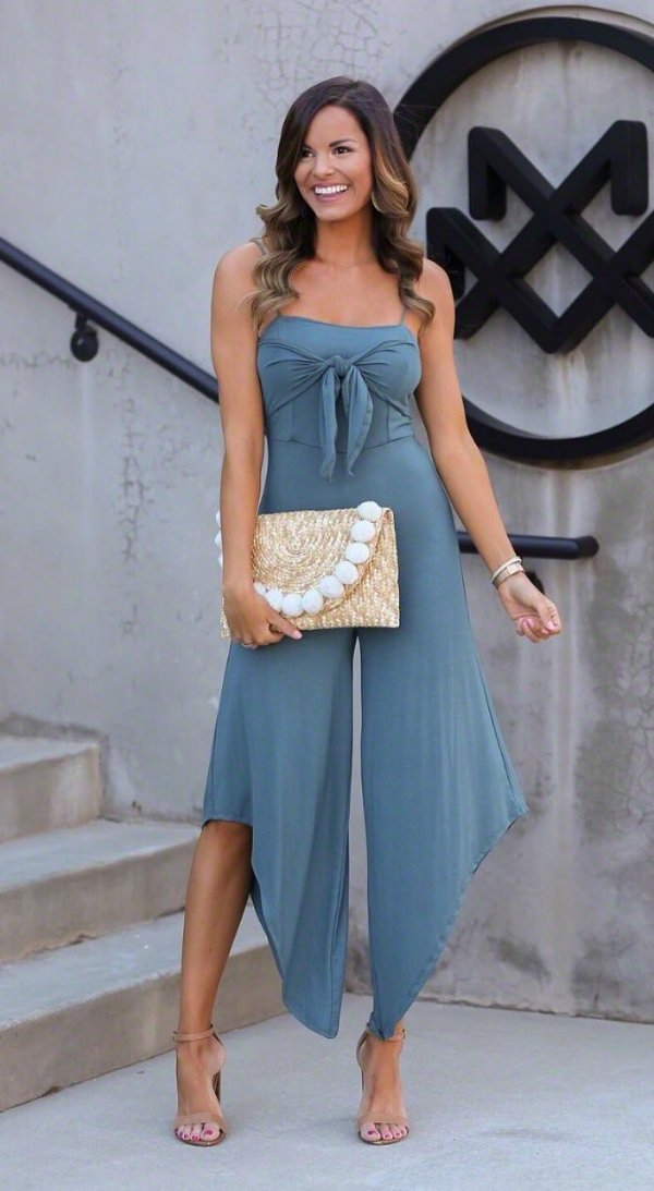 Stylish Gray Jumpsuit With Front Bow And High Heels