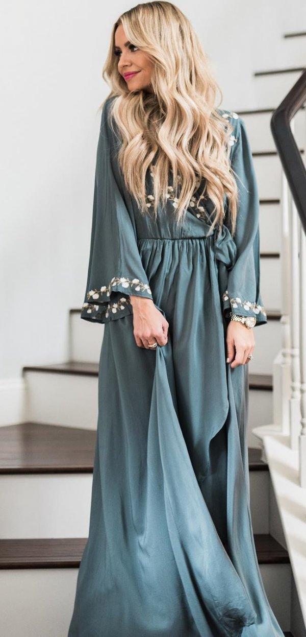 Vintage style Maxi Dress Looks Fabulous