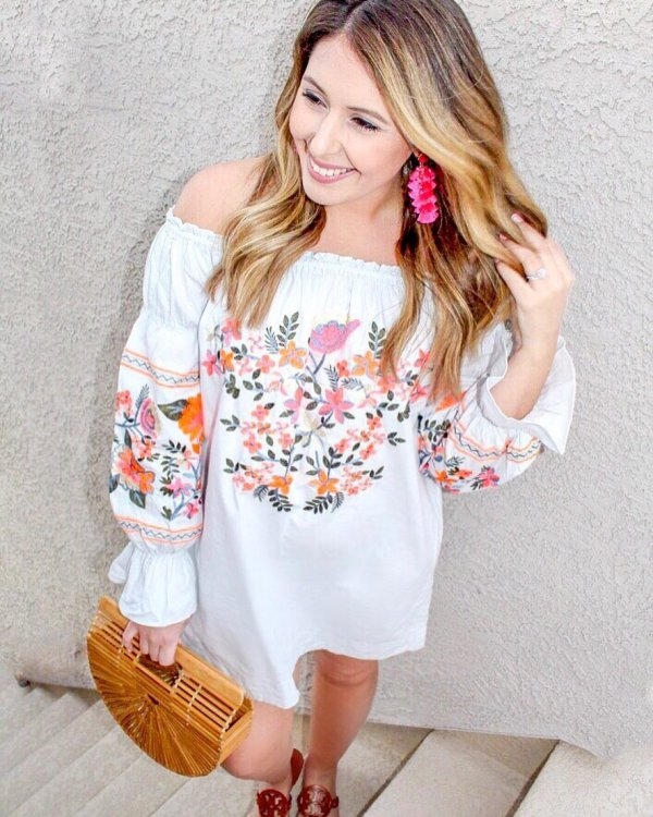 White Comfortable And Flowly Embroidered Outfit With Straw Bag