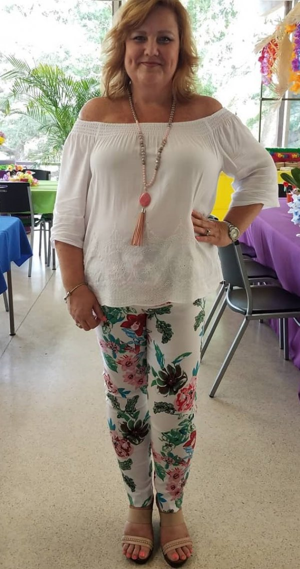 White Off Shoulder Top And Floral Print Jagging For Plus Size