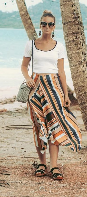 White Top And Asymmetric Stripes Skirt