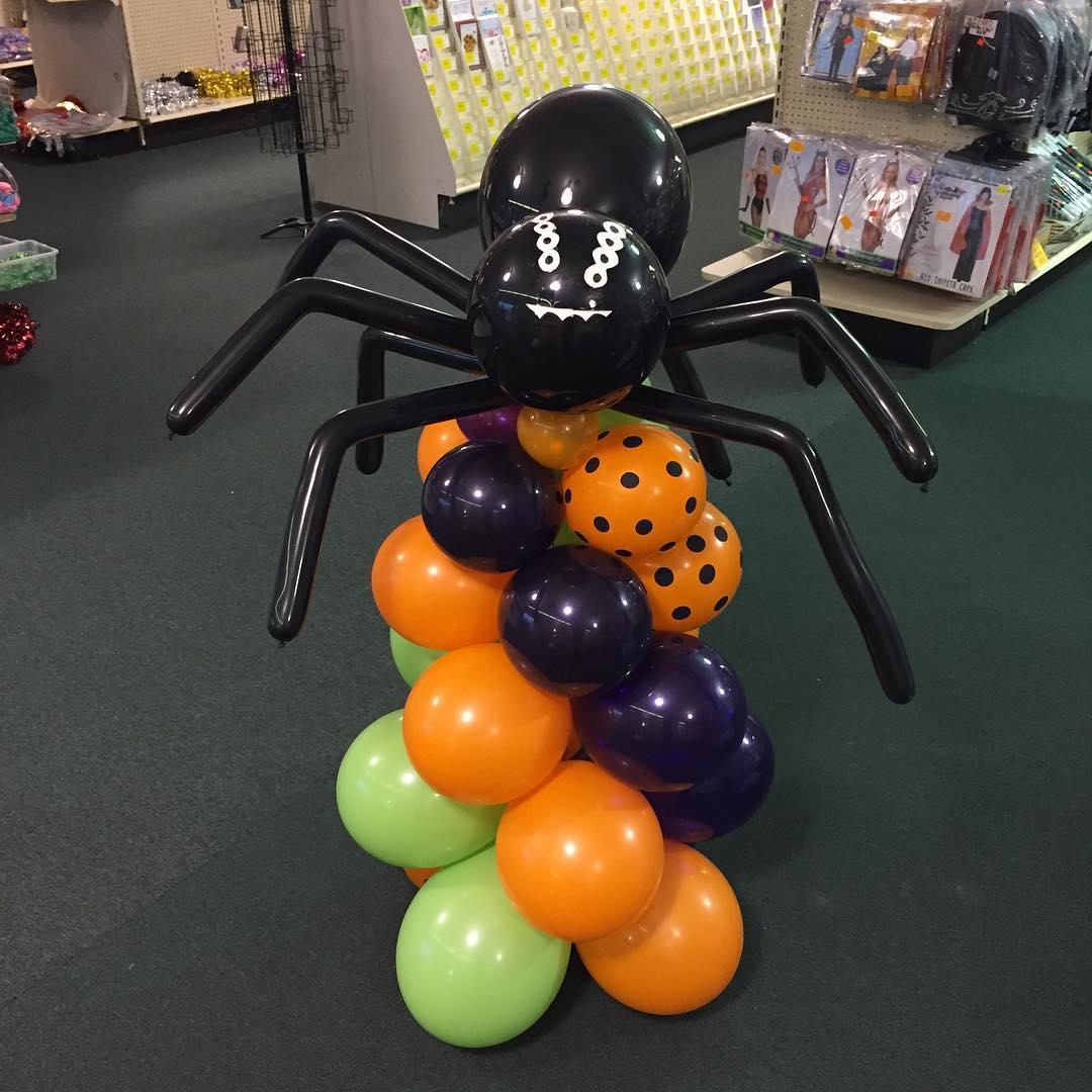 Adorable Spider Halloween Balloon Sculpture