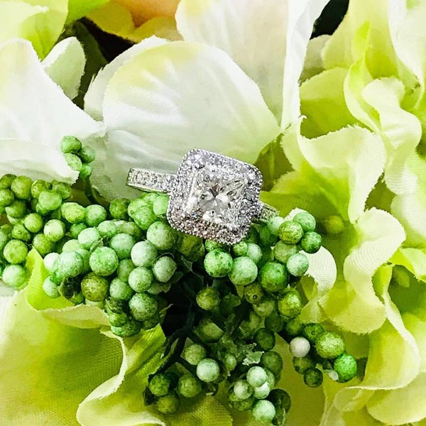Alluring Square Shape Diamond Engagement Ring