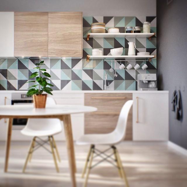 Artistic White Theme Kitchen Wall Decor