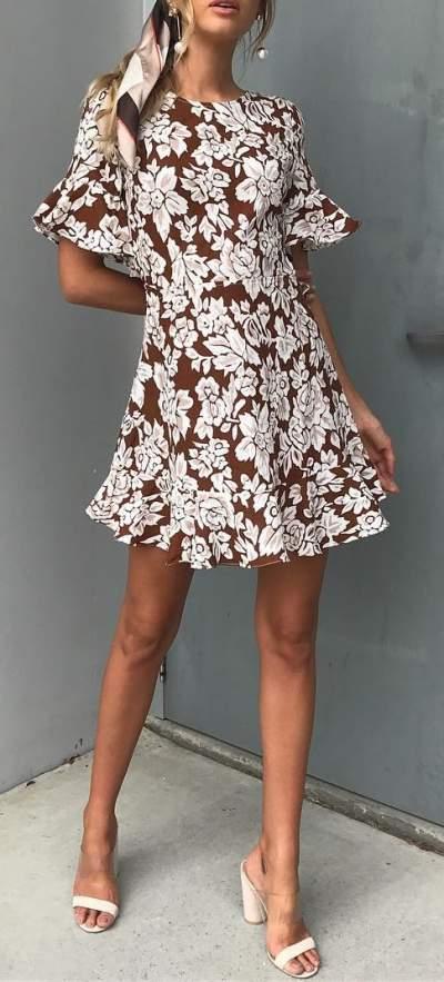 Brown Floral Cap-Sleeves Dress With High Heels