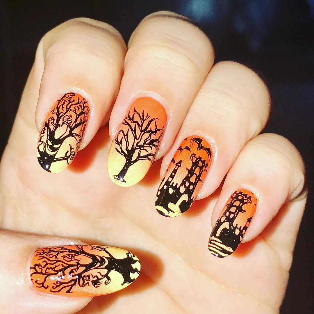 Casual Halloween Nail Art for the Spooky Look