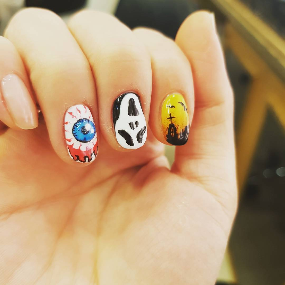 Chic 3D Nails With Eye Ball And Skull