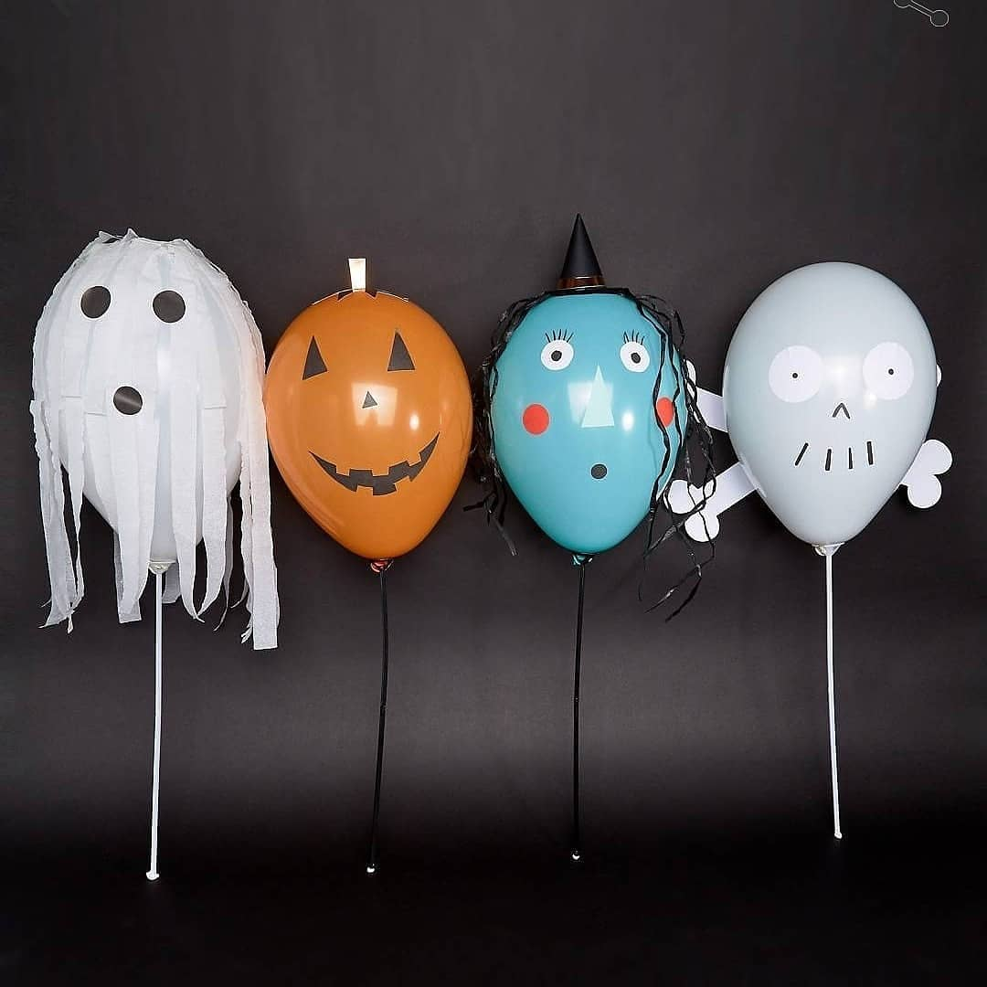 Cool Halloween Party Balloon Decor