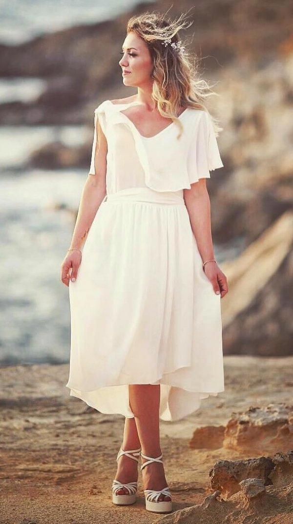 Cool Wedding Dress Perfect For Beach Wedding