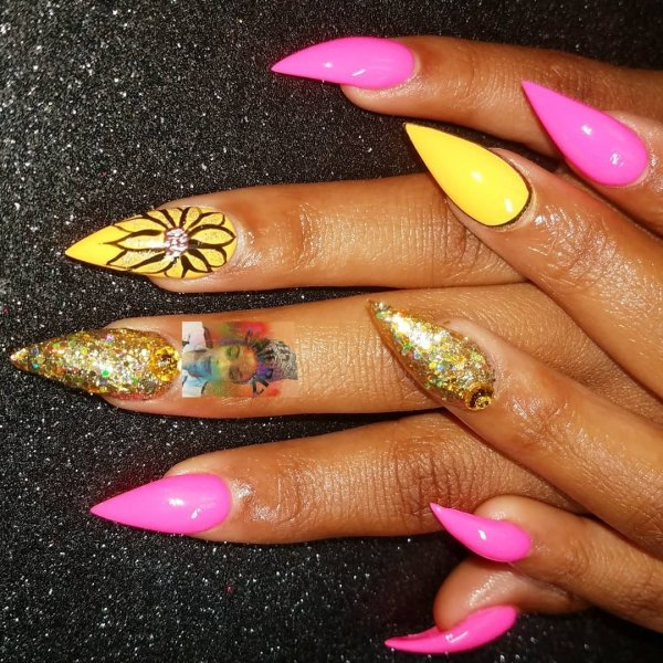 Creative Yellow And pink Stiletto Nails With Golden Finger Nails