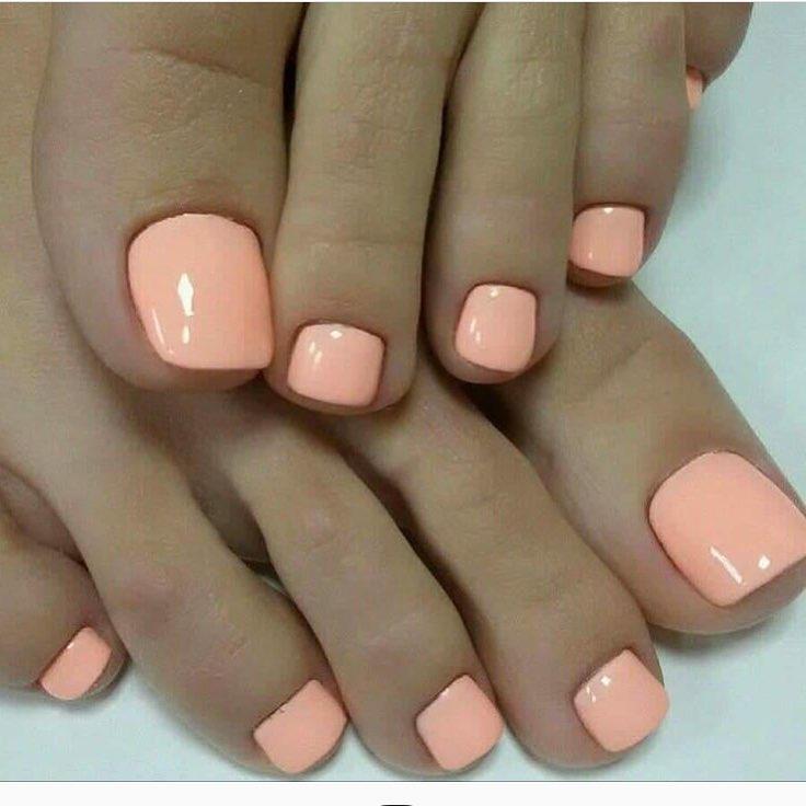 Cute Pastel Peach Pedicure