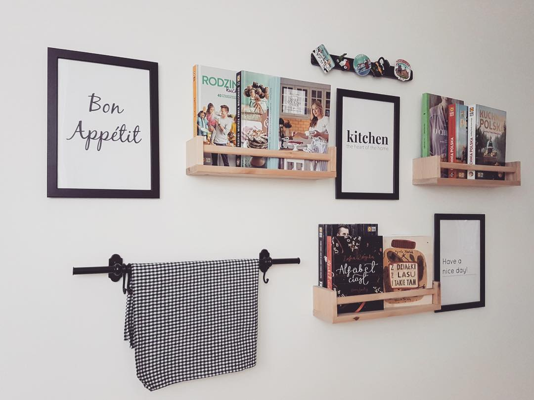 DIY Wall Decoration For Keeping Cooking Books