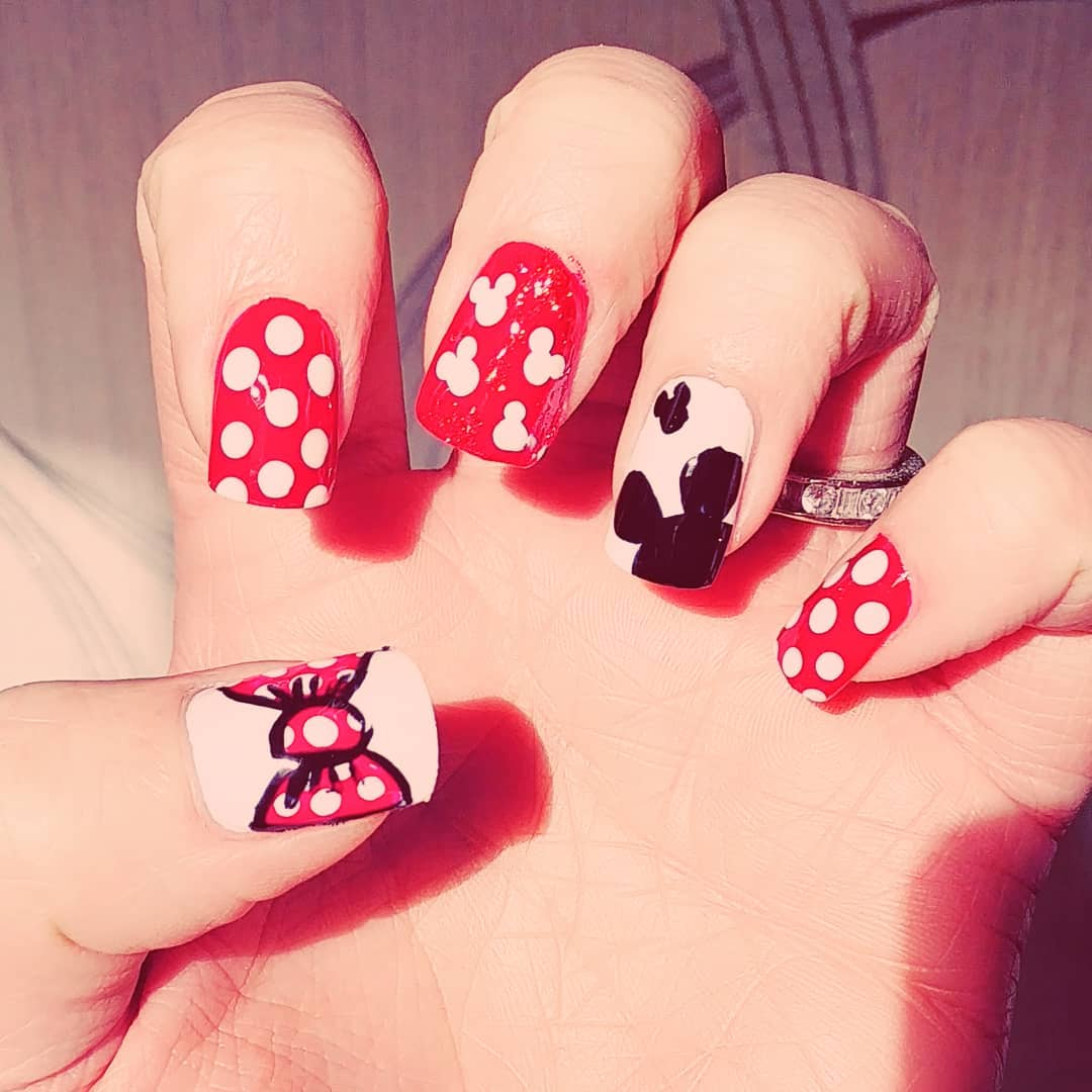 Dashing Mickey Mouse and Minnie Mouse Nails