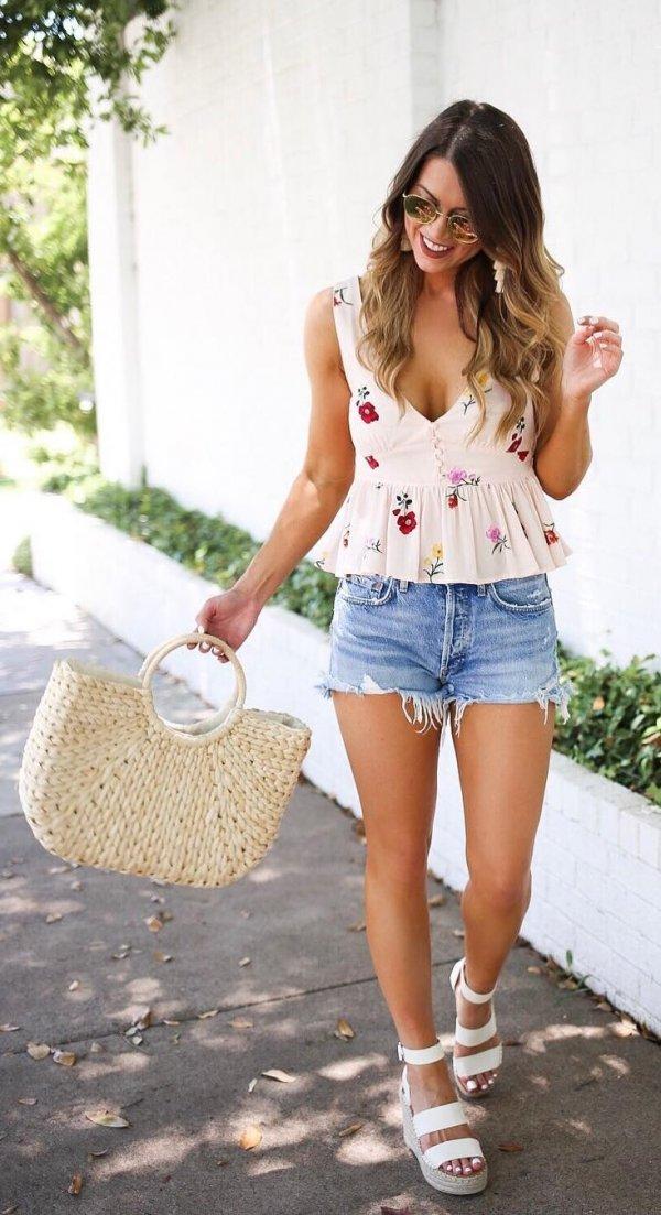 Dazzling Floral Print Peplum Top, Denim Shorts And Sandals