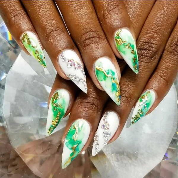Dazzling Marble Stiletto Nails With Foil