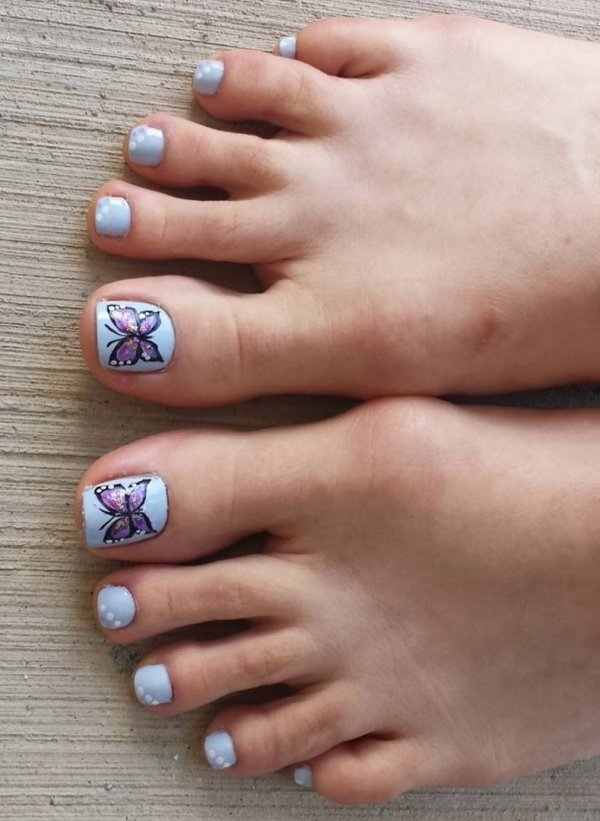 Draw The Butterfly With One Stroke Nail Art