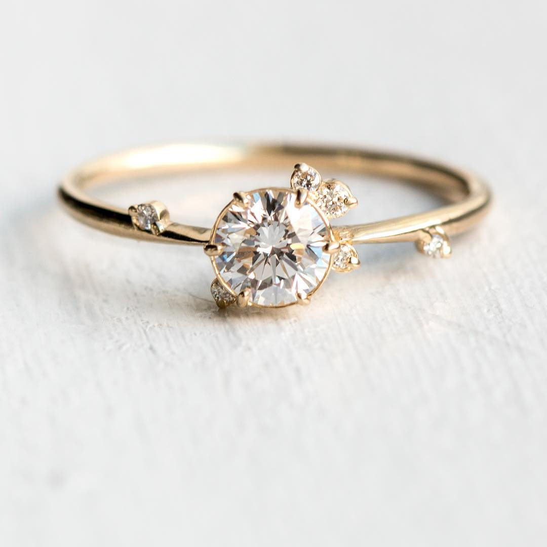 Elegant And Simple Engagement Ring Design