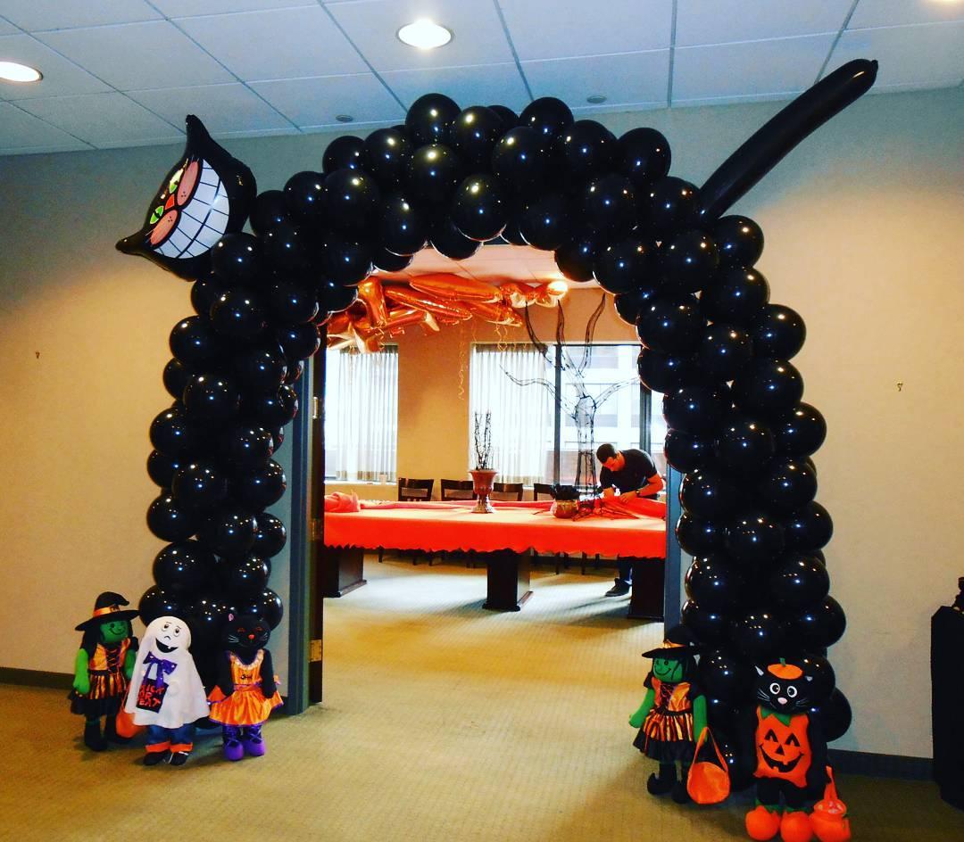 Eye-Catching Halloween Balloon Black Cat Arch