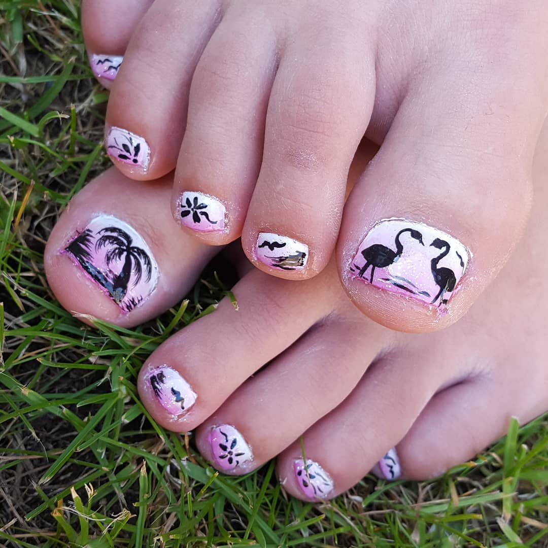 Flamingo With Flowers Glittery Nails