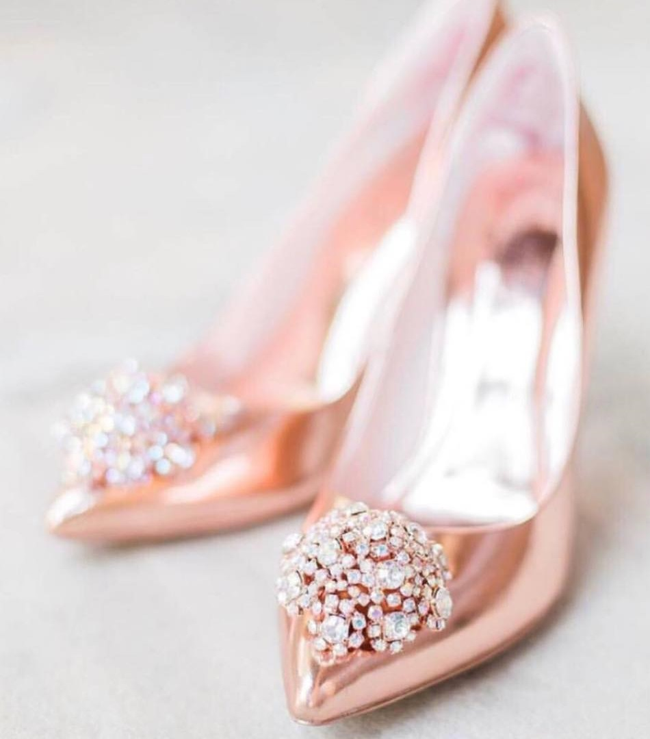 Glamorous Rose Gold Heels With Big Broach