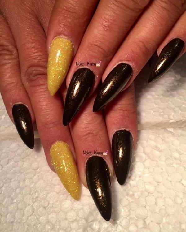 Glittery Yellow And Dark Green Stiletto Nails