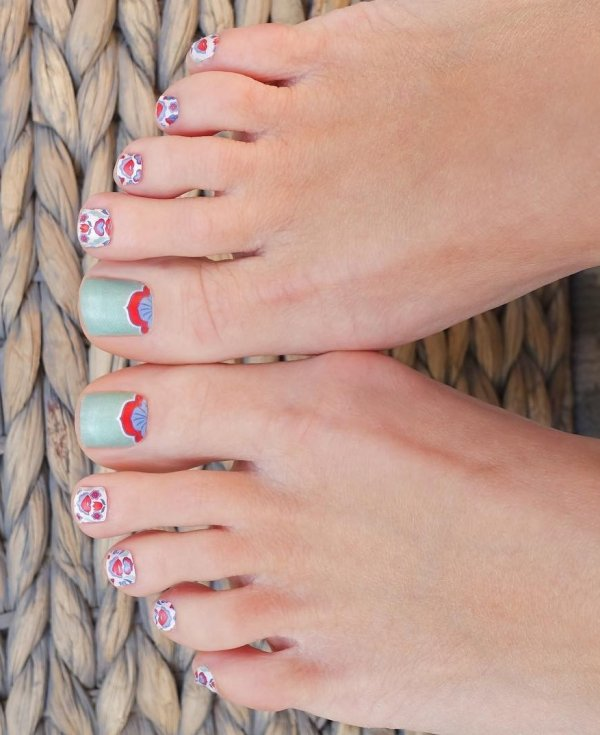 Gorgeous Summer Toes