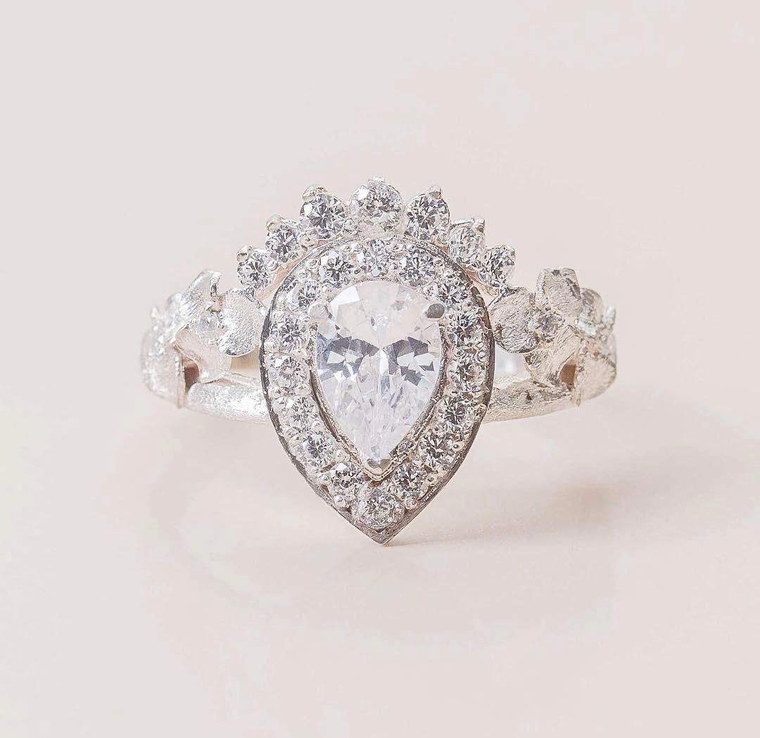 Handmade Sparkly Teardrop Diamond In 14k White Gold