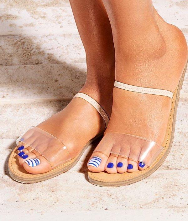 Impressive Blue And White Stripes Nails