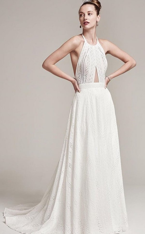Light Weight Lace Wedding Dress For Warm Days