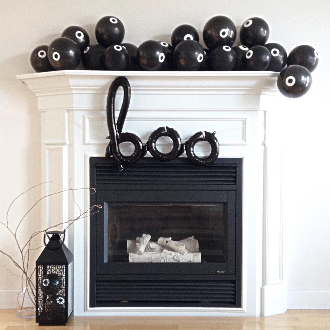 Mantel Decor With Spooky Eyes For Halloween