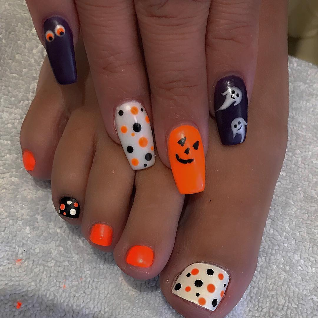 Matte Polka Dots Nails for Halloween