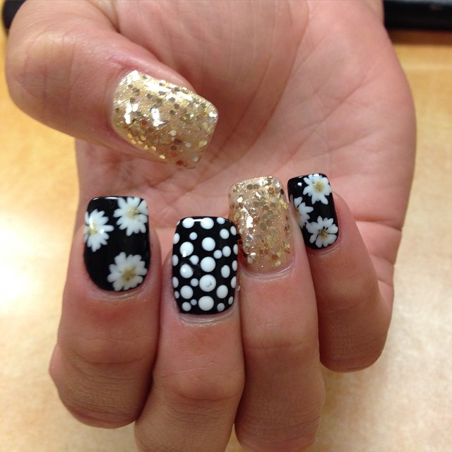 Neat Dotted Black and White Nails With Golden