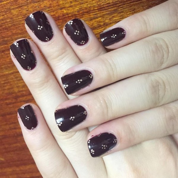 New Fashion Golden Dots Nail Art On Brown Base