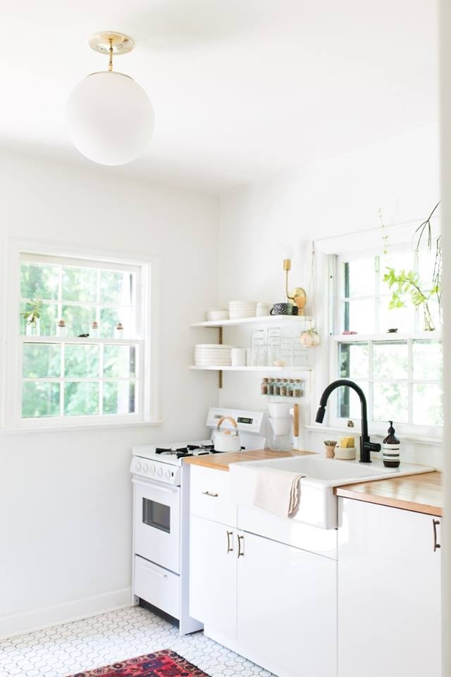 Nice Kitchen Shelves for Keeping Kitchen Tools