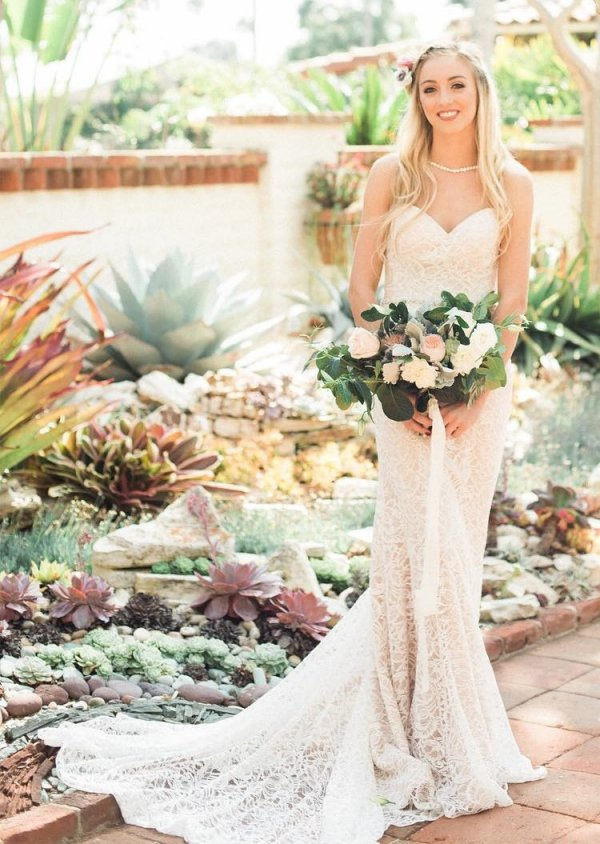 Off The Shoulder Sheer Wedding Outfit In Dusty Pink