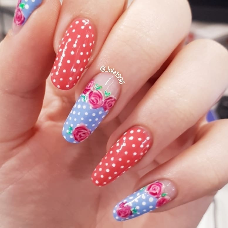 Perfect Combo of Flowers and Dots for Nail Art
