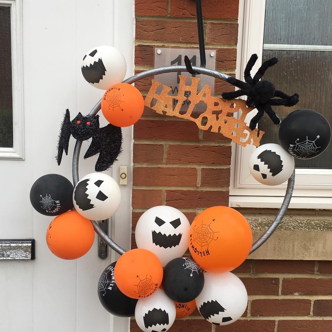 Perfect Halloween Decor With Balloons