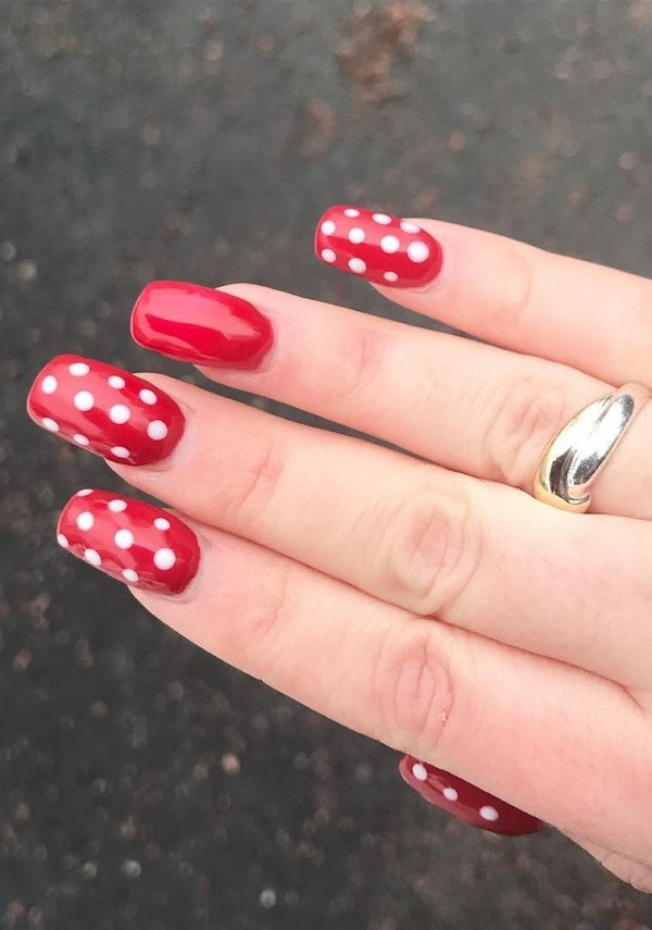 Quick Dotted Nail Art For Teenagers On Red Base