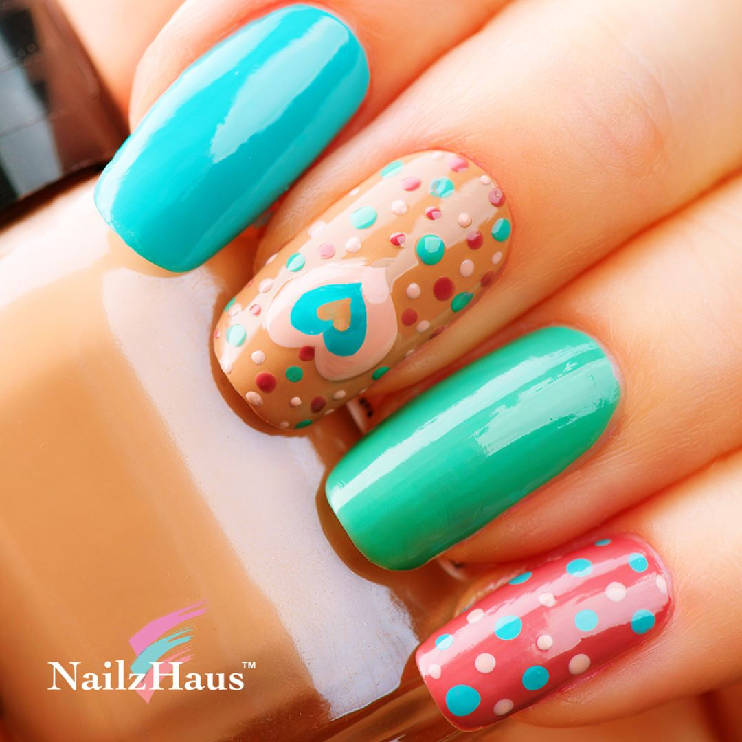 Ravishing Polka Dot Nail Art Design For Summer Days