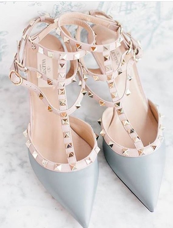 Retro Style Blue Pointed Toe Heels With Studs