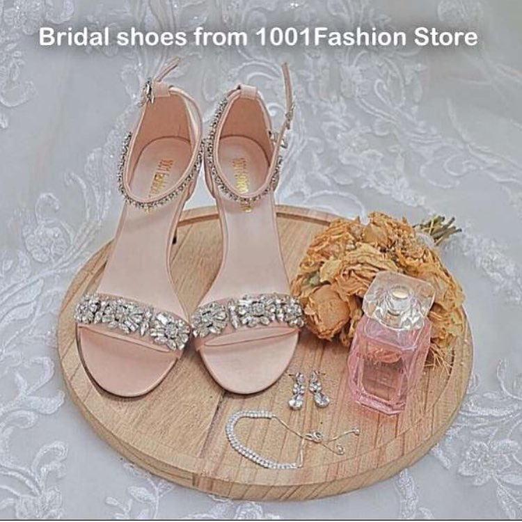 Sandals With Delicate Decoration And Ankle Straps