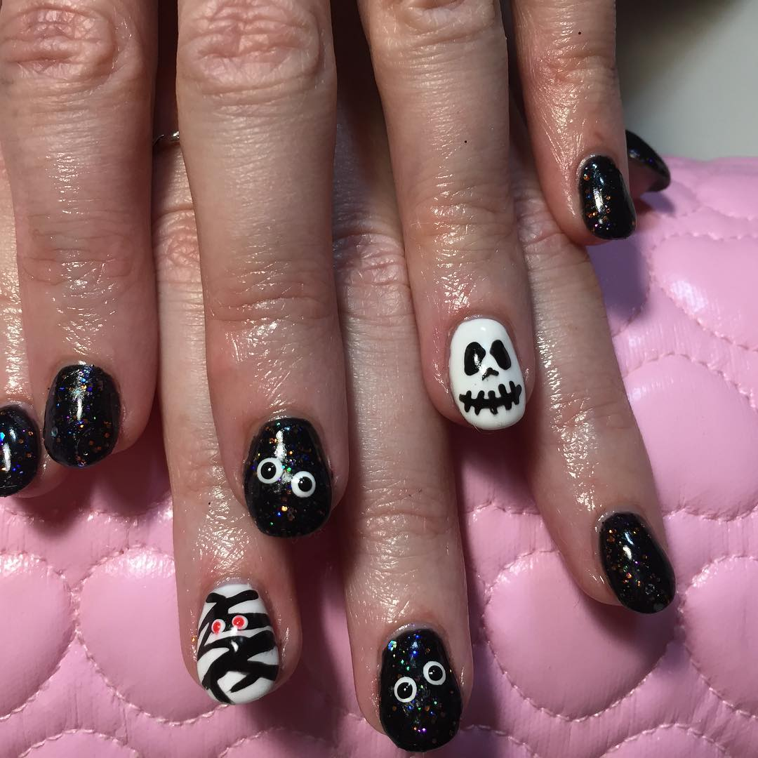 Scary Black And White Halloween Theme Nails