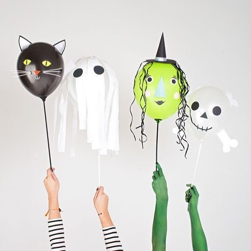 Simple Black Cat, Ghost, Witch And Skull Balloon Decor Idea