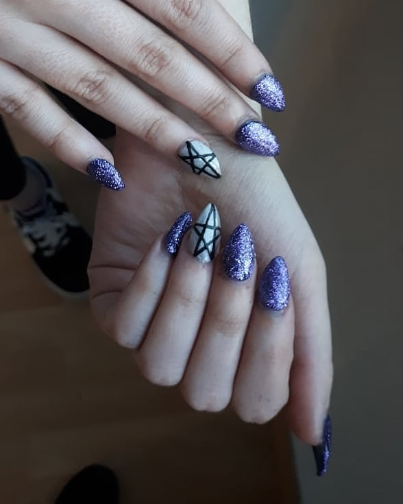 Sparkly Blue Stiletto Nails