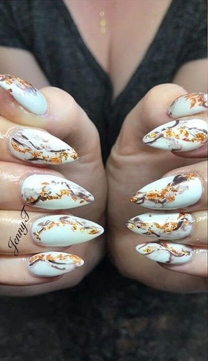 Stunning Marble Nails With Golden Glitter