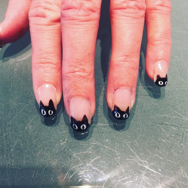 Toothless Black Cat Nails