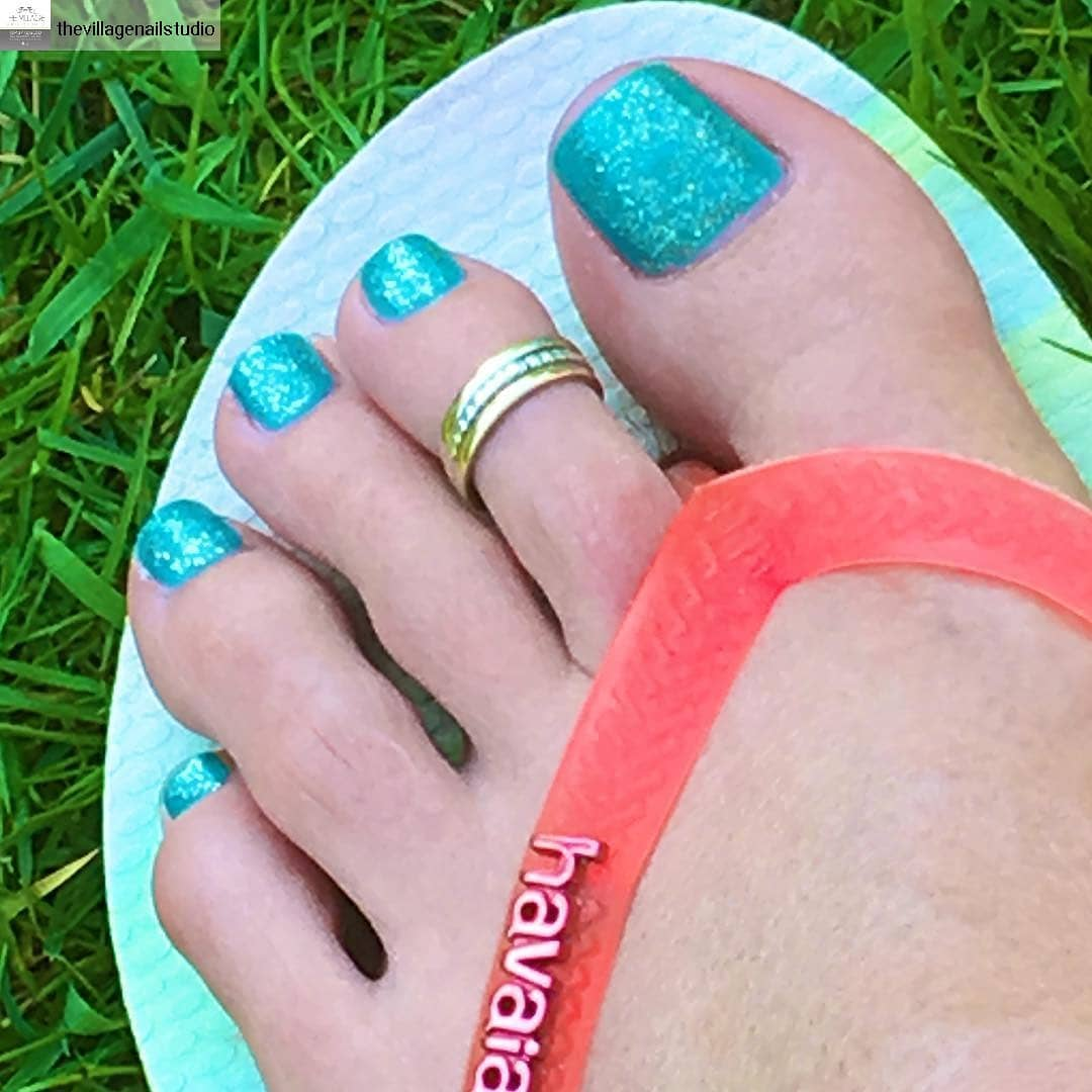 Turquoise Toes For Summer Party