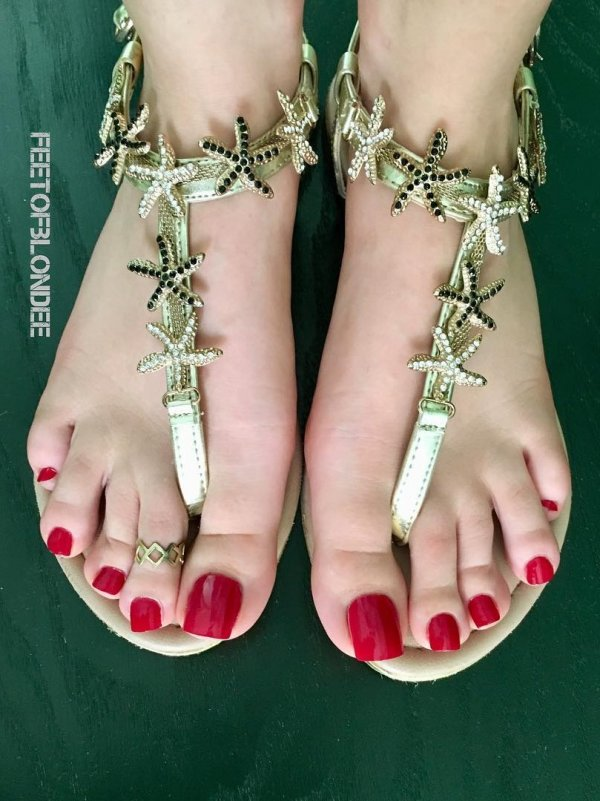 Wonderful Red Long Toes Nails
