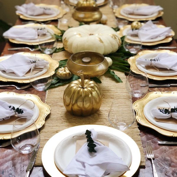 A Touch Of Gold For A Proper Thanksgiving Dinner